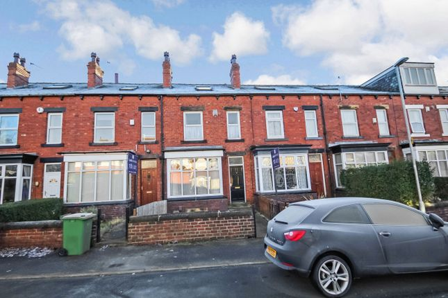 Thumbnail Terraced house to rent in Newport Mount, Headingley, Leeds