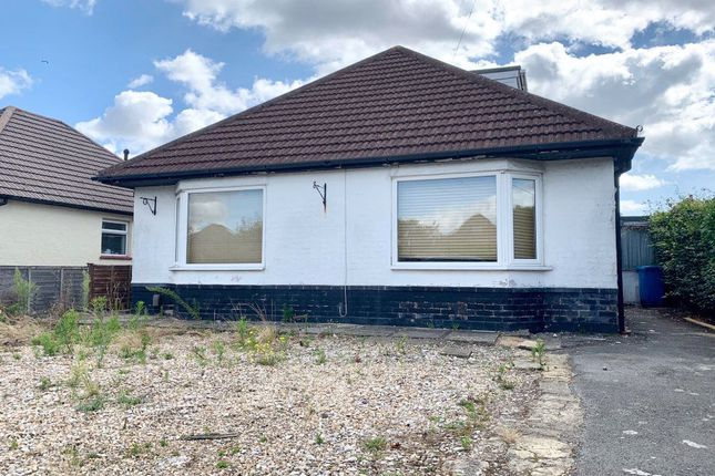 Thumbnail Bungalow to rent in Julyan Avenue, Poole