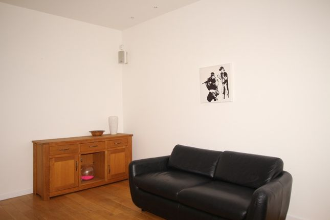 Thumbnail Flat to rent in Young Street Lane South, New Town, Edinburgh