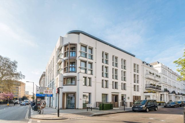 Flat for sale in Westbourne Gardens, Notting Hill, London