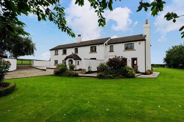 4 bed farmhouse for sale in Ormskirk Road, Bickerstaffe, Ormskirk