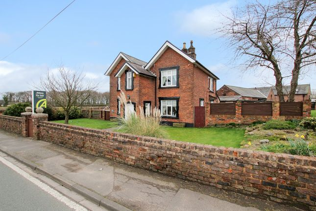 Thumbnail Farmhouse for sale in Gorsey Lane, Bold, St Helens