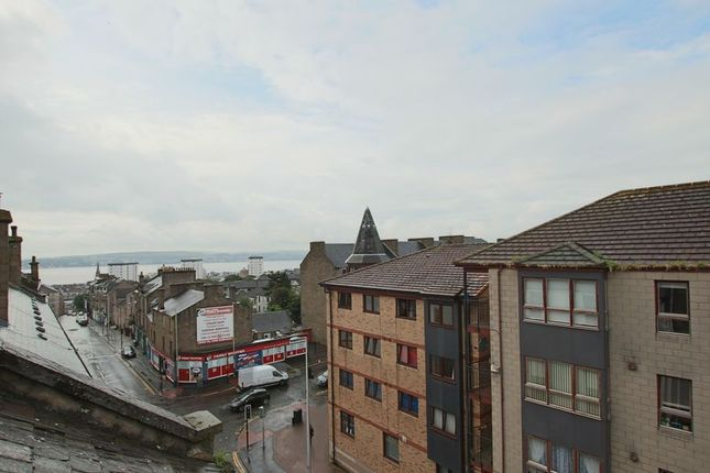 River Tay View of Hilltown, Dundee DD3