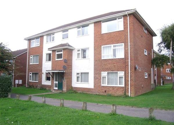 Thumbnail Flat to rent in Blandford Road, Hamworthy, Poole