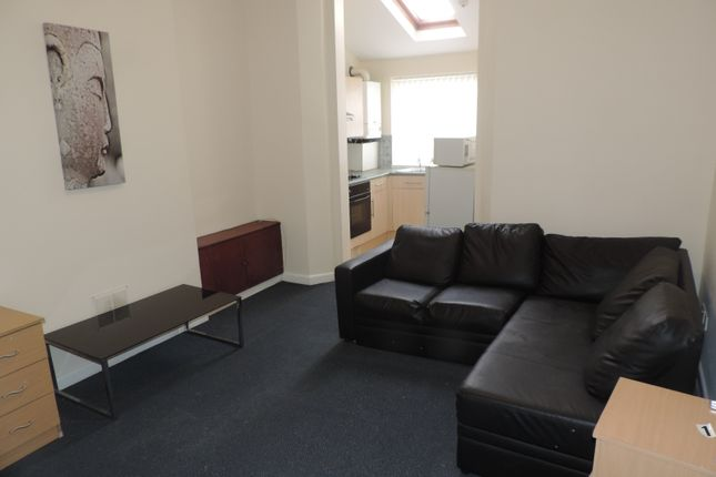 1 bed flat to rent in Northcote Street, Roath, Cardiff