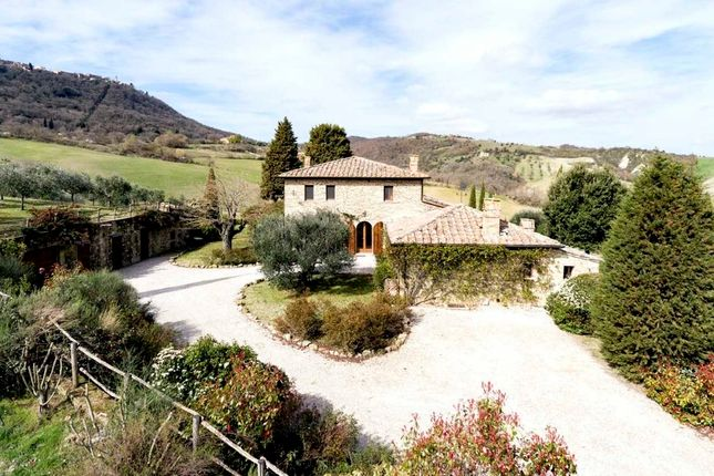 Property for sale in Montefollonico, Tuscany, Italy