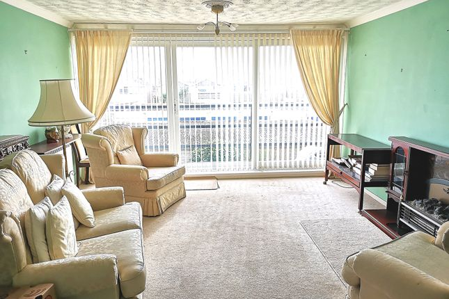 Living Room of Wickham Court, Gosport PO12