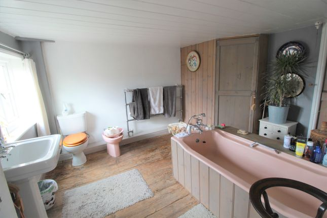 Bathroom of Haw Bridge, Tirley, Gloucester GL19