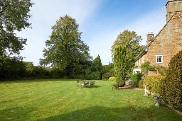 Pleasant Gardens of Banbury Road, Moreton Pinkney, Daventry NN11