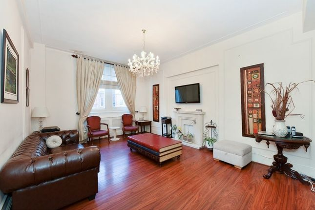 Thumbnail Flat to rent in Thurloe Place, Knightsbridge