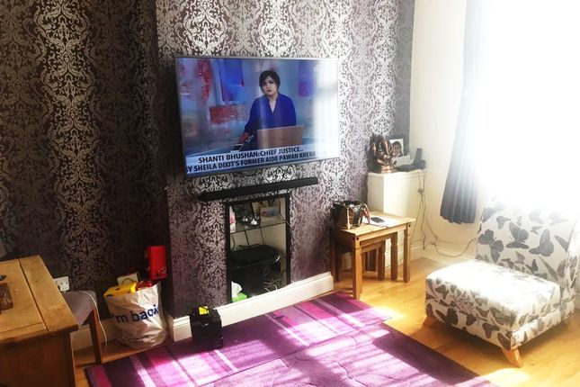 Thumbnail Terraced house to rent in West Place, Tentelow Lane, Southall