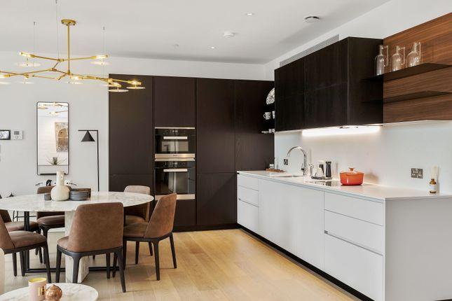 3 bed flat for sale in Long Steet, Lonodn E2