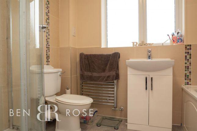 Family Bathroom of Whernside Way, Leyland PR25