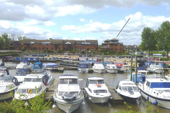 Thumbnail Detached house for sale in 5 Harbour View, Tewkesbury Marina, Tewkesbury