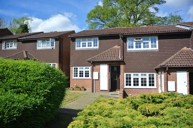 Thumbnail Flat for sale in Ashley Court, St. Johns, Woking
