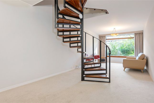 1 bed mews house to rent in Brandon Mews, Barbican, London EC2Y