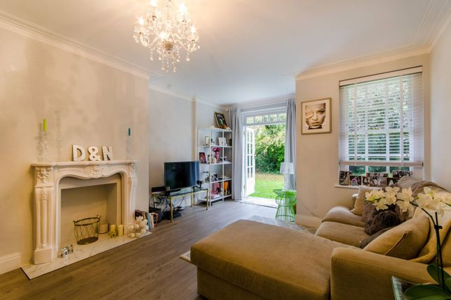 Thumbnail Flat for sale in Belmont Close, Barnet