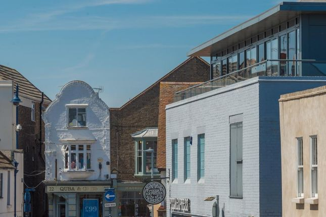 2 bed flat to rent in Albert Street, Whitstable CT5