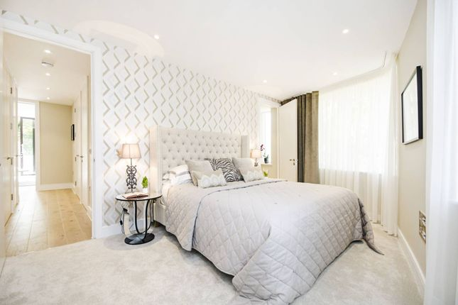 Thumbnail Flat for sale in Aylmer Road, East Finchley