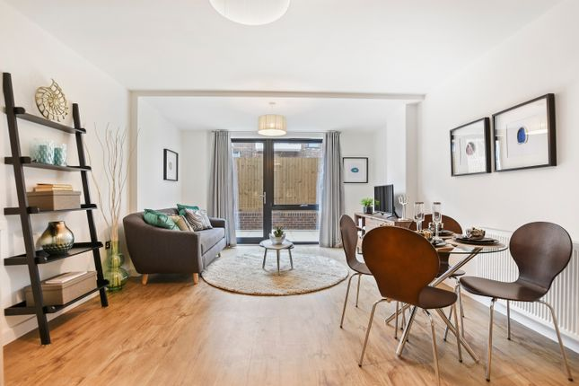 2 bedroom flat for sale in Williams Way, London