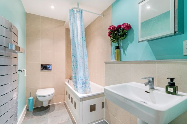 Bathroom of Woolwich Road, London SE10