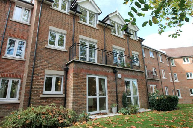 Thumbnail Flat to rent in St. Agnes Road, East Grinstead