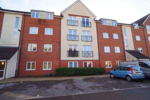 Thumbnail Flat to rent in Hollybrook Park, Kingswood, Bristol
