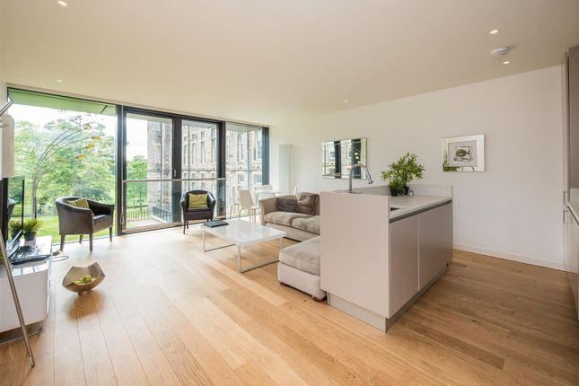 Thumbnail Flat for sale in Simpson Loan, Edinburgh