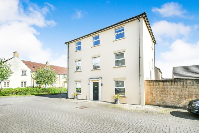 Thumbnail Detached house for sale in Peregrine Court, Calne