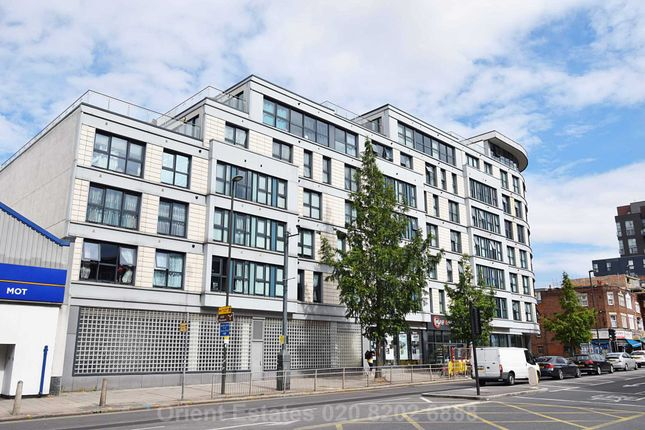 Thumbnail Flat for sale in Mannock Close, Colindale