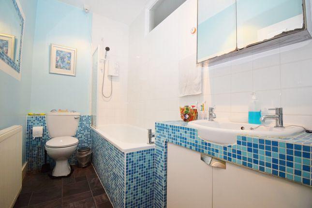 Bathroom of Wellington Road, Harrow HA3