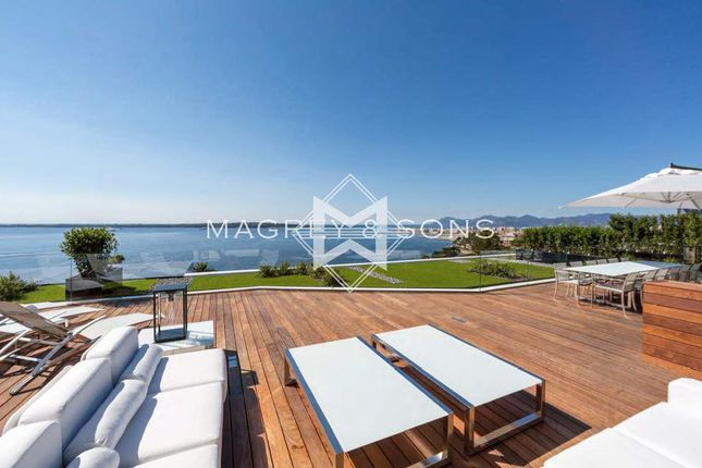 Thumbnail Apartment for sale in Cannes (Palm Beach), 06400, France