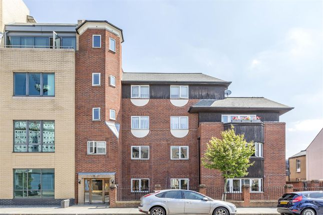 Thumbnail Flat for sale in Lygon Court, Graham Road, Wimbledon