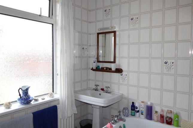 Bathroom of Signhills Avenue, Cleethorpes DN35