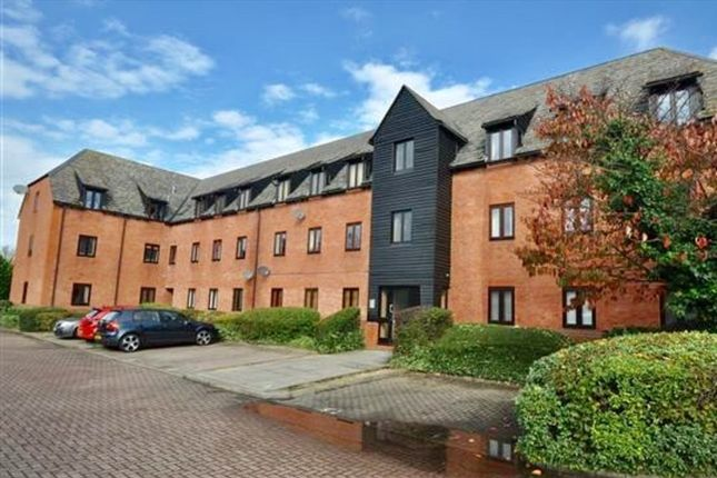 2 bed flat for sale in Canvey Walk, Springfield, Chelmsford