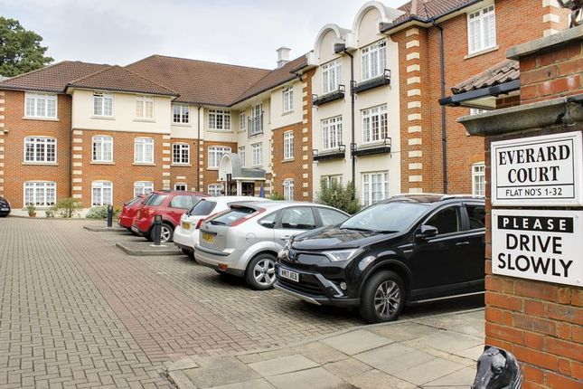 Thumbnail Property for sale in Everard Court, Crothall Close