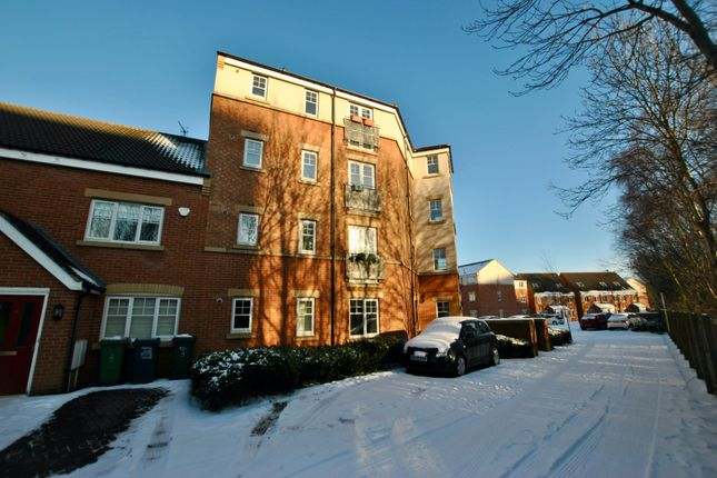 2 bed flat to rent in Sanderson Villas, Gateshead NE8