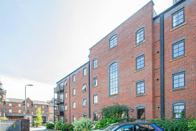 Thumbnail Flat to rent in Beaumont Court, Elphins Drive, Near Stockton Heath, Warrington