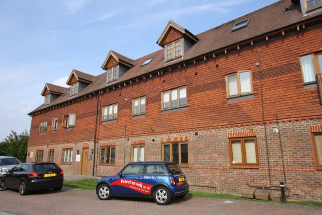 Thumbnail Flat to rent in Colemans Way, Hurst Green, Etchingham