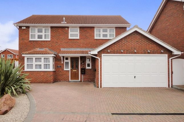 Thumbnail Detached house for sale in Hedingham Drive, Wickford