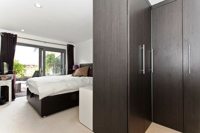 Master Bedroom of Building 10 West Carriage Hse, Royal Carriage Mews N, London SE18
