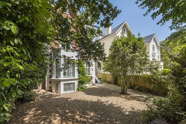 Thumbnail Detached house to rent in Oak Hill Road, Surbiton