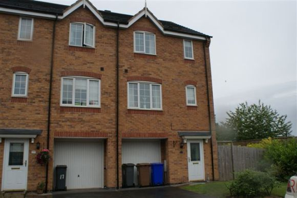 Thumbnail Town house to rent in Raleigh Close, Trent Vale, Stoke-On-Trent