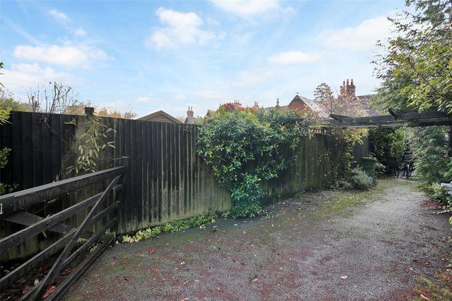 Parking of Old White Hart Cottage, High Street, Brasted, Kent TN16
