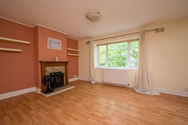 1 bed flat for sale in White Rose Lane, Woking, Woking GU22