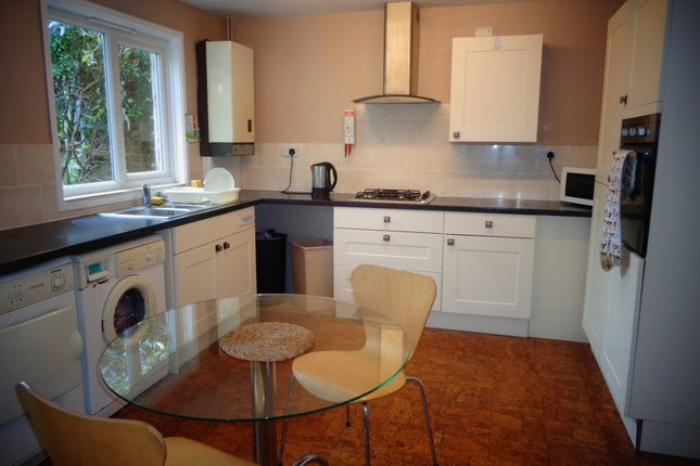 Thumbnail Room to rent in Lehar Close, Basingstoke