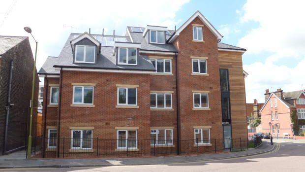Studio to rent in Westland Road, Watford