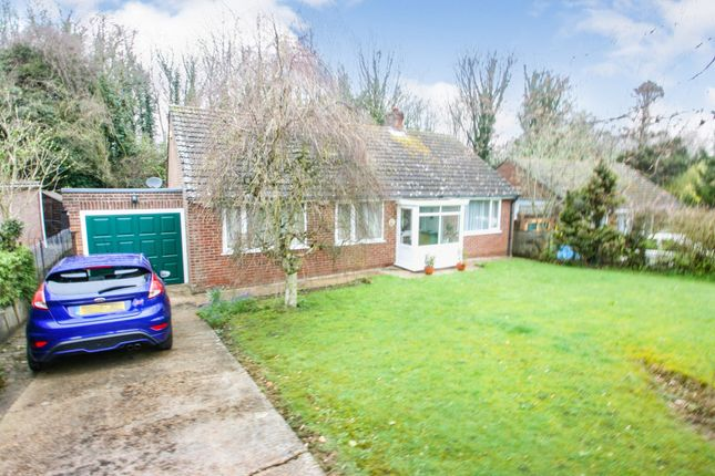 Thumbnail Bungalow for sale in Martin Dale Crescent Martin Mill, Dover, Kent