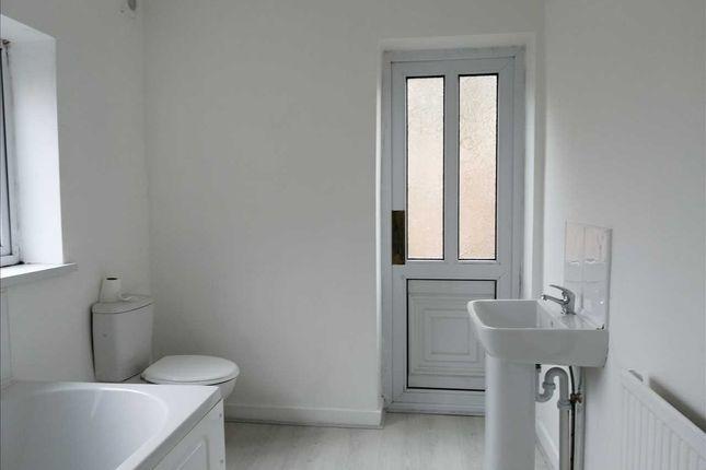 Bathroom of Swan Terrace, Penygraig, Tonypandy CF40