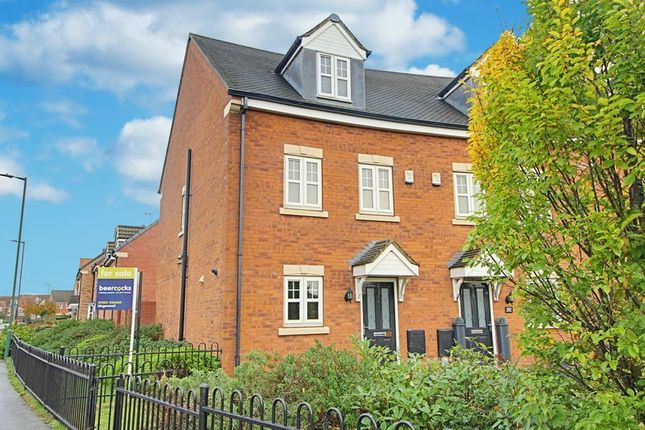 Terraced house for sale in Pools Brook Park, Kingswood, Hull